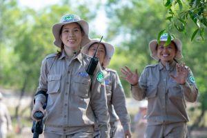 Báo quốc tế ấn tượng với đội phá bom mìn toàn nữ ở Quảng Trị