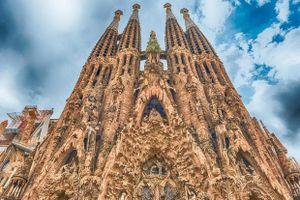 Kiệt tác nhà thờ Tây Ban Nha được cấp phép sau 137 năm xây dựng