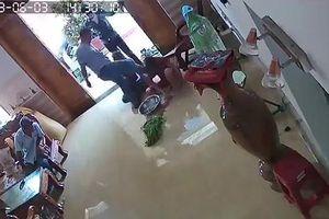 Một phụ nữ bị nhóm côn đồ đánh dã man: Phó giám đốc công an tỉnh chỉ đạo nóng