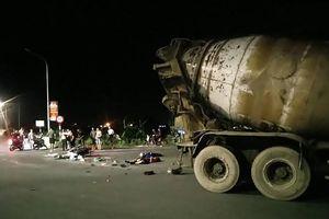 Hà Nội: Xe bồn va chạm với xe máy khiến một người tử vong tại chỗ và một bị thương