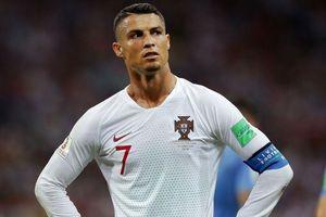 Ronaldo khó chịu với đồng đội khi hụt giải cầu thủ hay nhất