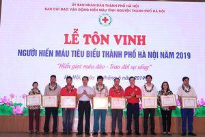 Hà Nội tôn vinh hơn 100 cá nhân, gia đình hiến máu tiêu biểu
