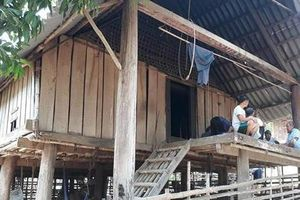 Thầy cúng 80 tuổi chém con trai tử vong rồi bỏ trốn