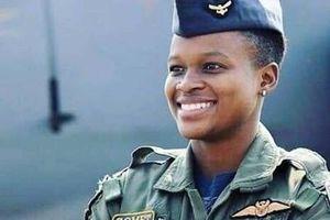 Nữ phi công da màu đầu tiên của Không quân Nam Phi