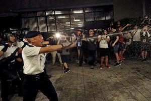 Hong Kong khủng hoảng chính trị, đụng độ dữ dội bùng phát
