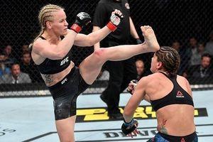 Khoảnh khắc nữ võ sỹ UFC knock-out đối thủ chỉ bằng một đòn đá
