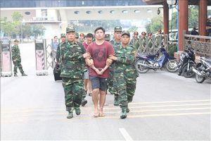 Bàn giao bốn đối tượng truy nã đặc biệt cho Công an Trung Quốc