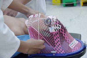 Bác sĩ lên ý tưởng về chiếc mặt nạ của những chiến binh ung thư nhí
