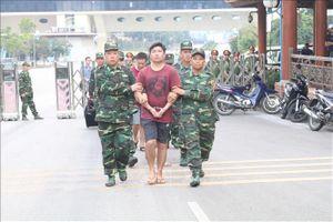 Công an Việt Nam bàn giao 4 đối tượng truy nã cho Trung Quốc