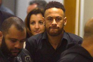 Ít chơi bóng, Neymar rớt giá không phanh