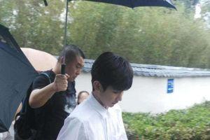 Vương Nguyên lần đầu xuất hiện ở Vu Đô sau scandal hút thuốc