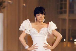 Sao đẹp tuần: Nhã Phương- Lý Nhã Kỳ chứng minh thời trang cổ điển là bất diệt