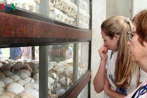 Về lại Cánh đồng Chết-nơi tội ác man rợ được phác họa bằng xương người