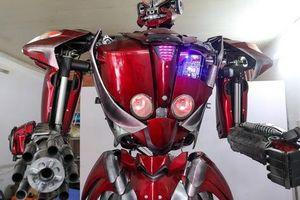 Chiêm ngưỡng Robot 'Siêu to, khổng lồ' được chế tạo từ rác thải nhựa