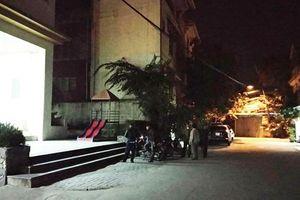 Nghệ An: Nô đùa với em trai trong sân nhà, anh bị ngã va vào ghế đá tử vong