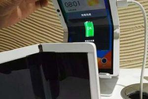 Oppo nuôi ý tưởng điện thoại gập lại với camera selfie bật lên độc đáo