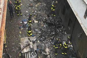 Trực thăng đâm nóc nhà cao tầng, phi công Mỹ tử nạn
