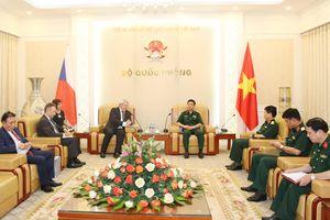 Tổng Tham mưu trưởng QĐND Việt Nam tiếp Phó Chủ tịch Hạ viện Cộng hòa Séc