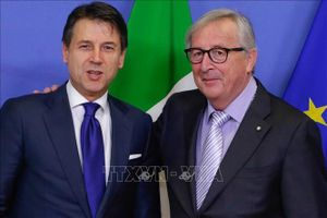 Leo thang cuộc chiến giữa EU với Italy liên quan đến tài chính công
