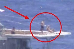 Thủy thủ Nga tắm nắng trên tàu khu trục - Chẳng có gì lạ!