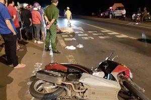 Người phụ nữ đi xe máy bị xe khách cán qua người tử vong