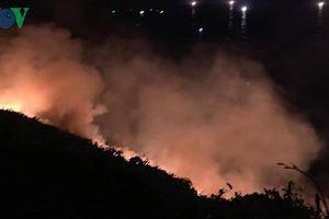 Hơn 200 cán bộ chiến sĩ khống chế đám cháy trên bán đảo Sơn Trà