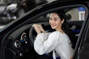 Sau sách ảnh đẹp mắt mừng tuổi 24, Jun Vũ tậu xe sang tiền tỷ