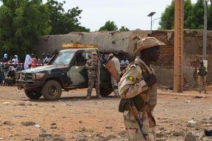 Rúng động vụ thảm sát 95 người dân 1 ngôi làng trong 1 đêm
