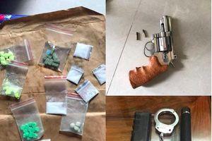Bắt băng nhóm cho vay nặng lãi, tàng trữ ma túy, súng ở TP.HCM
