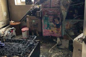 Căn hộ cao ốc bốc cháy dữ dội giữa Sài Gòn, đôi vợ chồng người nước ngoài tung cửa kêu cứu