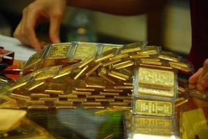 Hết giảm sâu lại tăng sốc, giá vàng đang tạo những cơn sóng lớn