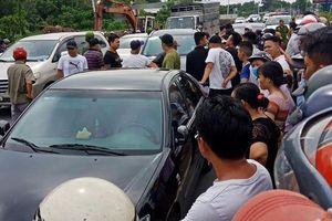 Cảnh sát ngăn chặn cuộc đụng độ giữa hai băng nhóm