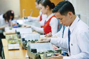 Fitch: Kinh tế Việt Nam tiếp tục phát triển nhanh nhất khu vực