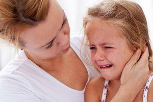 Biến chứng khó lường khi trẻ viêm tai giữa và cách phòng tránh