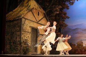 Công diễn vở ba lê 'Giselle' nhân kỷ niệm Quốc khánh Liên bang Nga