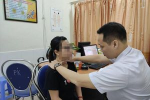 Cô gái nhập viện do nhiễm trùng loét vùng cổ nghiêm trọng