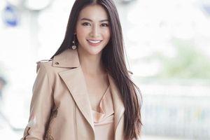 Phương Khánh 'hút hồn' người hâm mộ với nhan sắc nổi bật tại sân bay