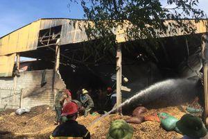 Hà Tĩnh: Cháy xưởng lạc 400 tấn, ước tính thiệt hại 10 tỷ đồng
