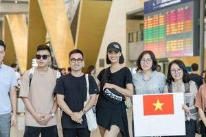 Hồng Quế trình diễn cho NTK Hà Duy tại Trung Quốc