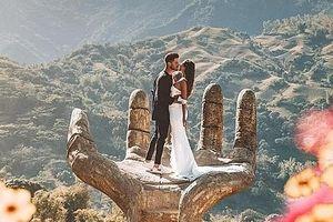 'Bàn tay khổng lồ' dẫn lối du khách đến với vùng đất thiên đường ở Philippines