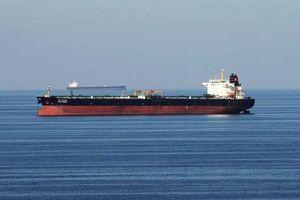 Hai tàu dầu bị tấn công gần eo biển Hormuz: Nguy cơ châm ngòi 'chảo lửa' Trung Đông?