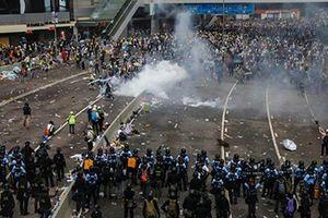 Hiện trường vụ bạo động lớn nhất ở Hong Kong 15 năm qua