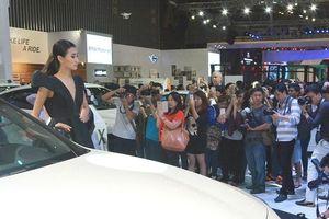 Ô tô Indonesia giá hơn 290 triệu đồng/chiếc tràn vào Việt Nam