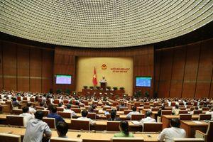 Quốc hội biểu quyết thông qua Luật Đầu tư công sửa đổi