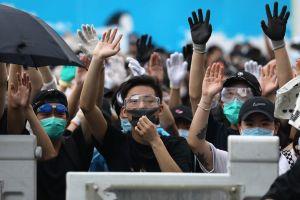 Hong Kong 'rơi vào im lặng', cuộc họp dự luật dẫn độ tiếp tục hoãn
