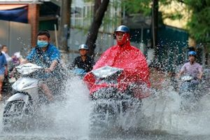 Dự báo thời tiết 13.6: Miền Bắc nắng nóng gay gắt, chiều tối mưa dông