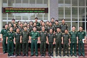 Đoàn Sĩ quan trẻ Quân đội nhân dân Lào thăm, giao lưu tại Học viện Quân y
