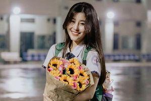 Hot girl Việt xuất hiện trên báo Trung bị 'lộ' bảng điểm xấu và ảnh tiêm filler