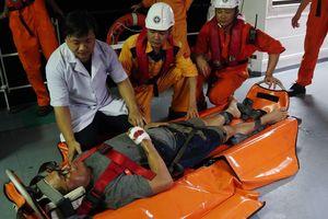 Cấp cứu kịp thời thuyền viên Philippines gặp nạn trên vùng biển Đà Nẵng