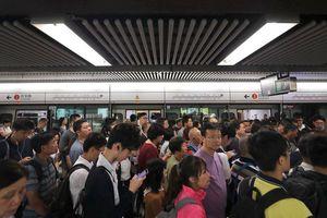 Hong Kong tạm trở lại bình thường sau chuỗi ngày tê liệt